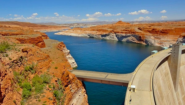 RV camping at Lake Powell, Glen Canyon National Recreation Area.