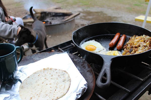 Easy camping food and meals for families. #TentsnTrees