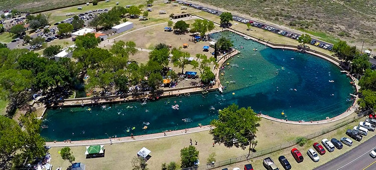 Texas Balmorhea Stat Park campgrounds