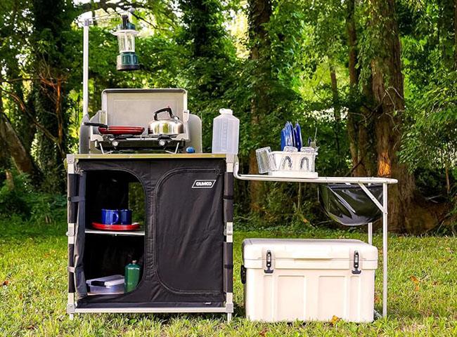 Camping kitchen setup