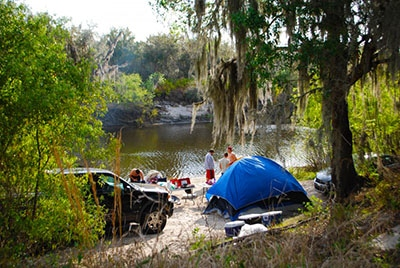 Peace River campground in Florida