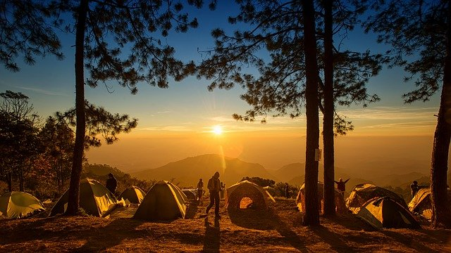 13 Best Large Group Camping Tips